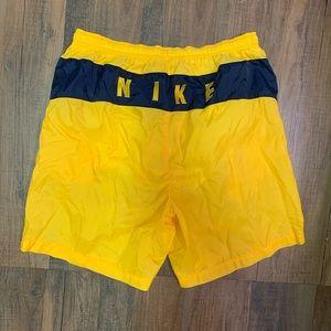 Vintage Nike shorts swim trunks large